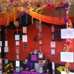 """""""Altar de Muertos"""" montado en el Instituto de Investigaciones sobre la Universidad y la Educación, Universidad Autónoma de México (UNAM), 1 y 2.11. 2015."""
